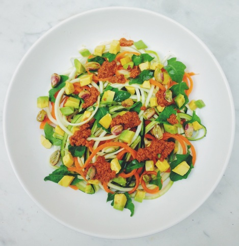 espaguetis de calabacín y zanahoria
