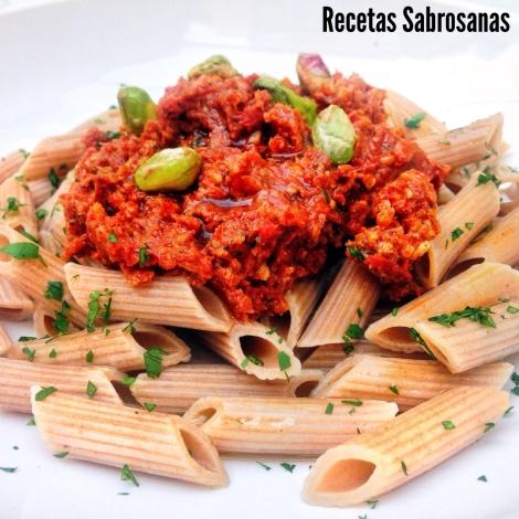 pasta integral con pesto de tomates secos